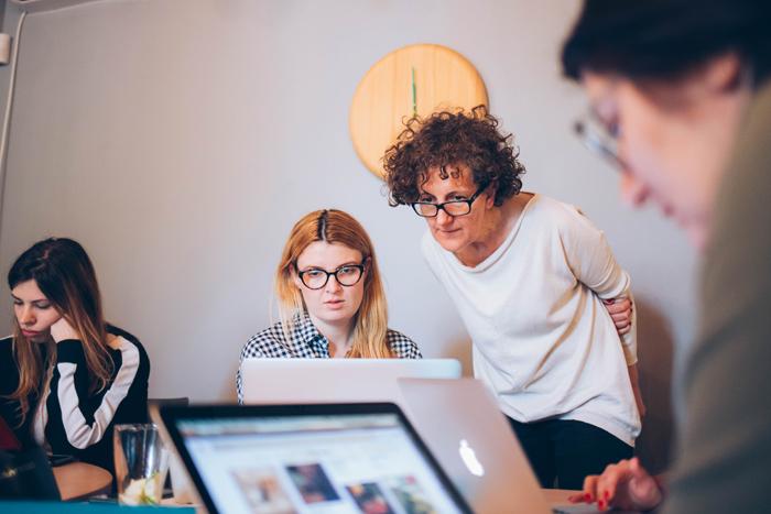 Care sunt atuurile cursului de Design Interior pentru începători?